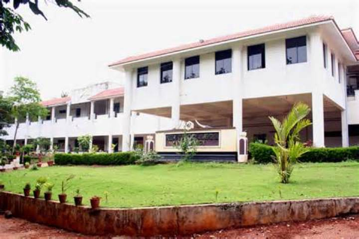 https://cache.careers360.mobi/media/colleges/social-media/media-gallery/6889/2019/3/6/Campus View of Sri Padmavathi School of Pharmacy Tirupati_Campus-View.jpg