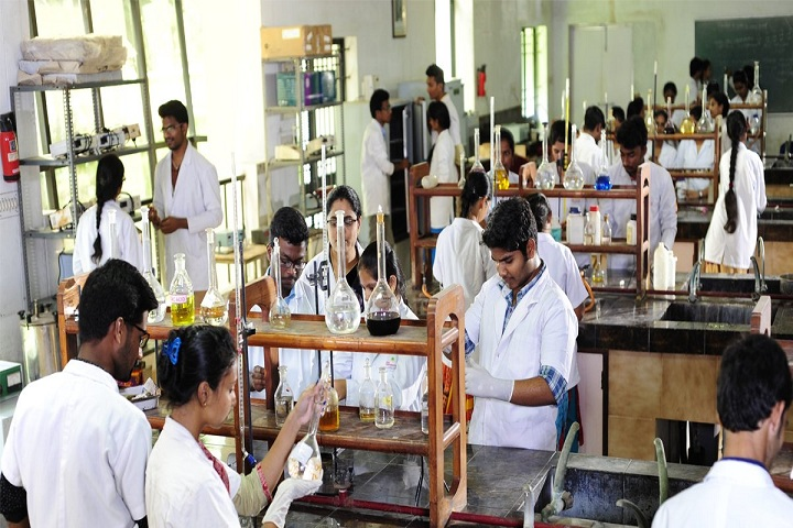 https://cache.careers360.mobi/media/colleges/social-media/media-gallery/6926/2019/3/16/laboratory of Sree Vidyanikethan College of Pharmacy Tirupati_Laboratory.jpg