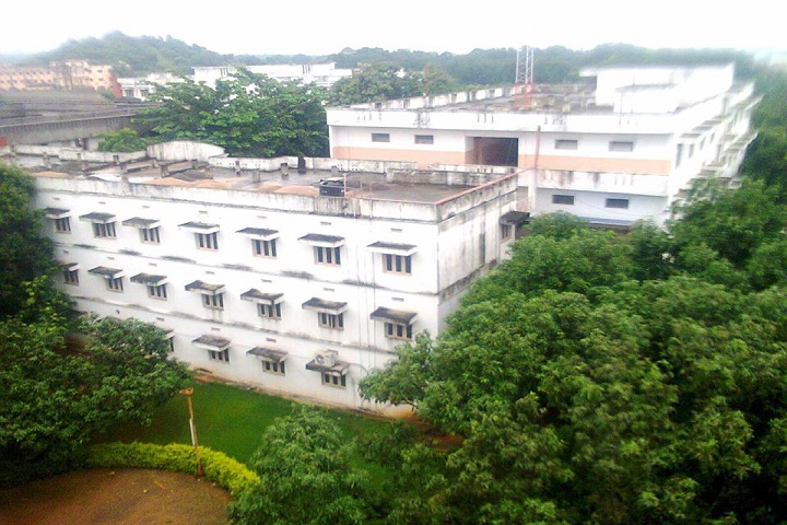 https://cache.careers360.mobi/media/colleges/social-media/media-gallery/6928/2020/6/1/Campus Back view of Sri Venkateswara College of Pharmacy Etcherla_Campus-view.jpg