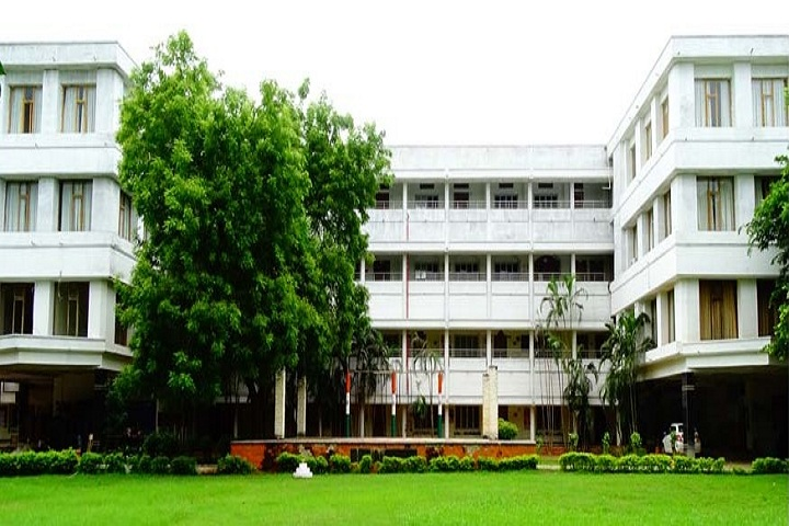 https://cache.careers360.mobi/media/colleges/social-media/media-gallery/6929/2020/5/23/Campus view of Vignan Pharmacy College, Vadlamudi_Campus-view.jpg