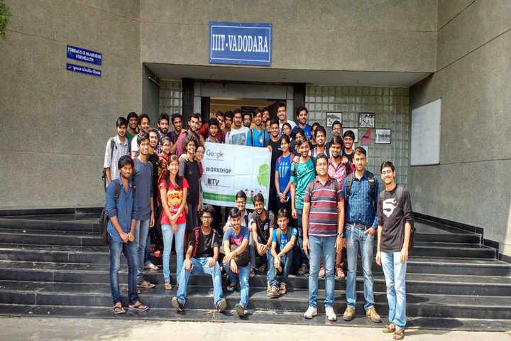 https://cache.careers360.mobi/media/colleges/social-media/media-gallery/695/2018/8/28/Indian-Institute-of-Information-Technology-Vadodara-campus3.jpg