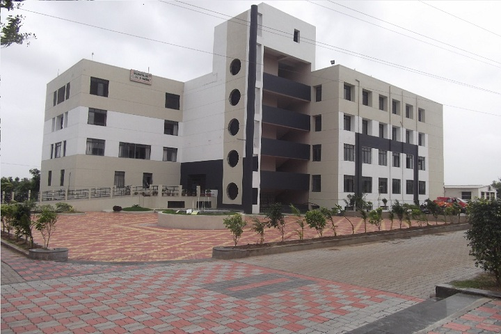 https://cache.careers360.mobi/media/colleges/social-media/media-gallery/6976/2019/3/2/CampusView of Bhagwan Mahavir College of Pharmacy Bharthana_Campus-View.jpg