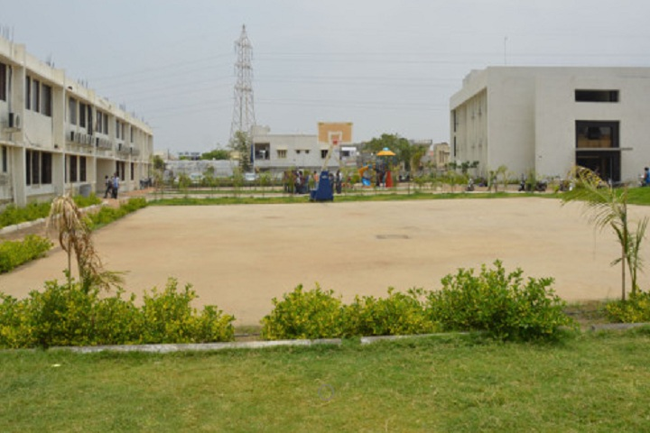 https://cache.careers360.mobi/media/colleges/social-media/media-gallery/6983/2019/3/4/Playground of LaxmiNarayan Dev College of Pharmacy Bharuch_Sports.jpg