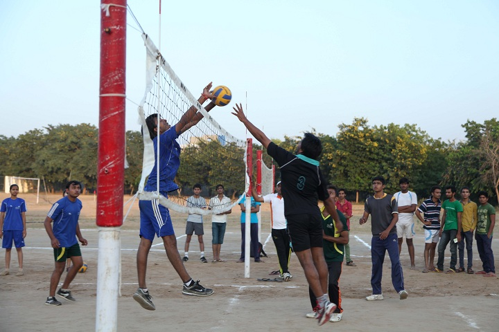 https://cache.careers360.mobi/media/colleges/social-media/media-gallery/6989/2018/10/6/Volley Ball of Shree SK Patel College of Pharmaceutical Education and Research Mehsana_Sports.jpg