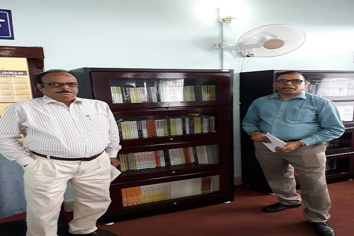 https://cache.careers360.mobi/media/colleges/social-media/media-gallery/7031/2019/5/31/Library with staff of Ali Yavar Jung National Institute for the Hearing Handicapped Mumbai_Library.jpg