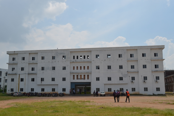 https://cache.careers360.mobi/media/colleges/social-media/media-gallery/7046/2018/10/30/Campus View of Jyothishmathi Institute of Technological Sciences Karimnagar_Campus View.JPG