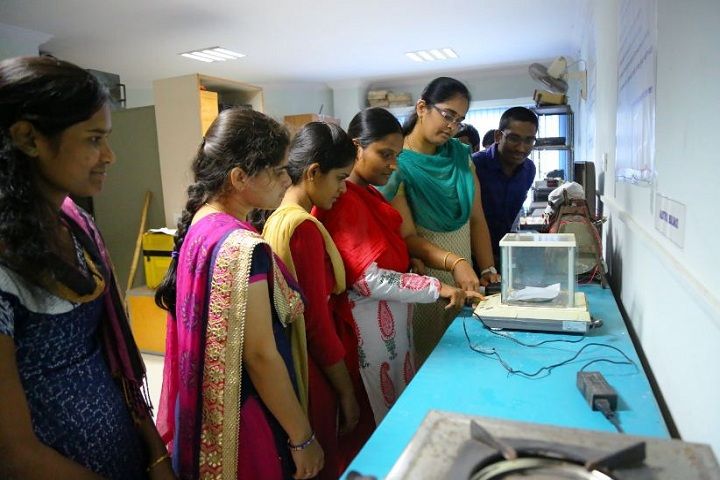https://cache.careers360.mobi/media/colleges/social-media/media-gallery/7108/2019/1/27/Water quality lab of University College of Technology Osmania University Hyderabad_Laboratory.JPG