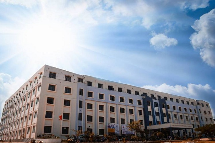 https://cache.careers360.mobi/media/colleges/social-media/media-gallery/7229/2018/11/3/Campus View of Malla Reddy Institute of Engineering and Technology Medchal_Campus-View.JPG