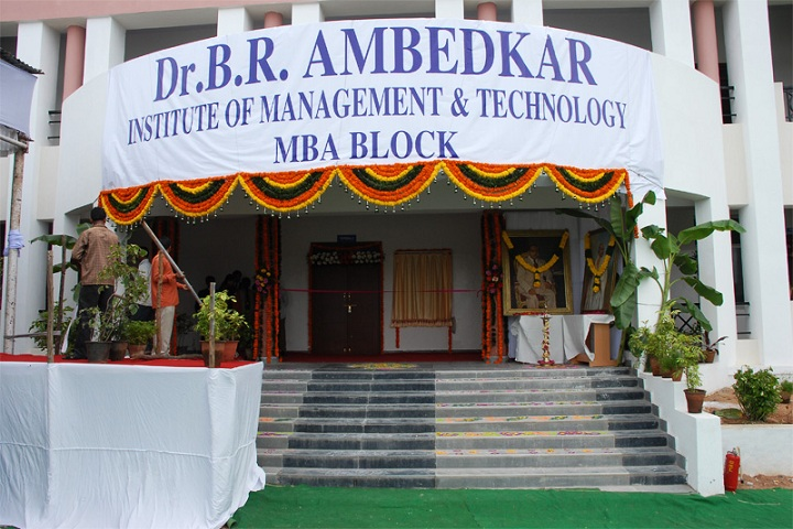 https://cache.careers360.mobi/media/colleges/social-media/media-gallery/7259/2018/11/26/Entrance View of Dr BR Ambedkar Institute of Management and Technology Hyderabad_Campus-View.jpg