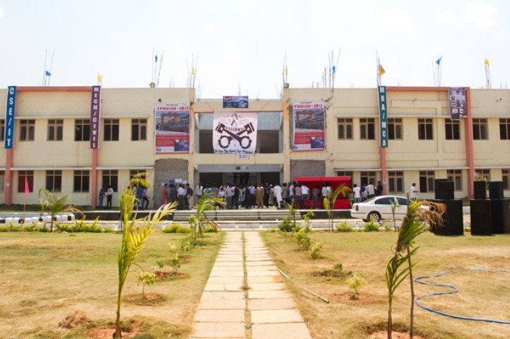 https://cache.careers360.mobi/media/colleges/social-media/media-gallery/7290/2019/1/5/Campus View of Lakshya Institute of Management Shamirpet_Campus-View.jpg