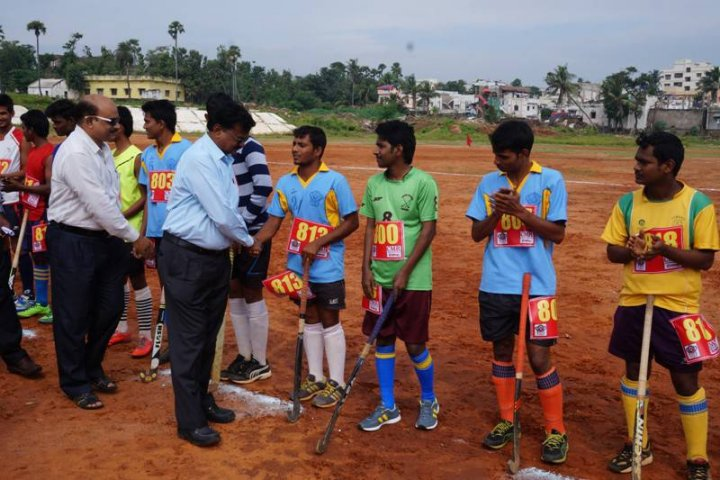 https://cache.careers360.mobi/media/colleges/social-media/media-gallery/7310/2018/11/15/Sports Activity of Samata College Visakhapatnam_Sports.jpg