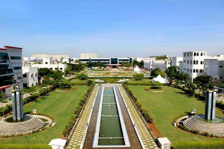 https://cache.careers360.mobi/media/colleges/social-media/media-gallery/734/2018/10/11/Campus View Of Sathyabama Institute of Science and Technology Chennai_Campus-View.jpg