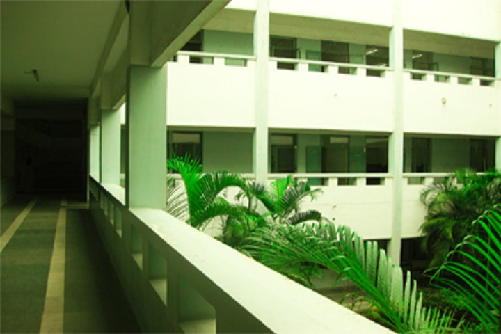 https://cache.careers360.mobi/media/colleges/social-media/media-gallery/7382/2018/11/23/College Building View of Meenakshi Sundararajan School of Management Chennai_Campus-View.jpg