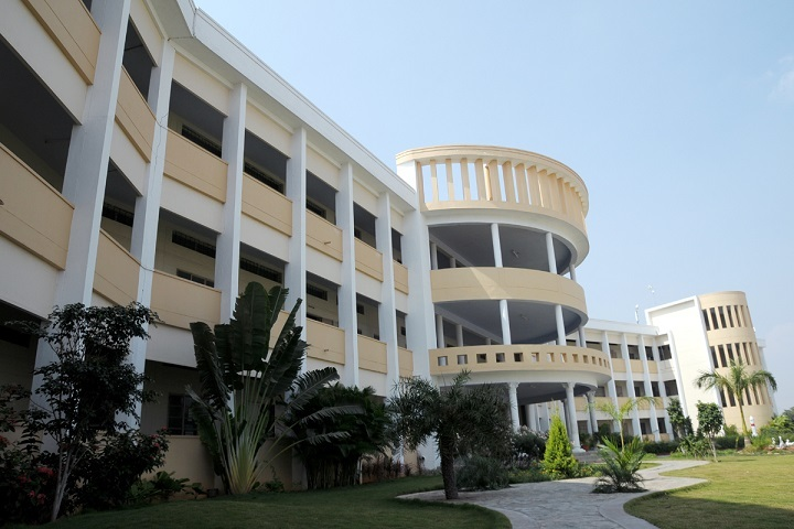 https://cache.careers360.mobi/media/colleges/social-media/media-gallery/7436/2018/11/19/Campus view of Gnanamani Institute of Management Studies Namakkal_Campus-View.jpg