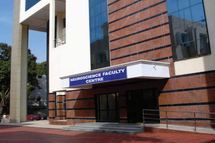 https://cache.careers360.mobi/media/colleges/social-media/media-gallery/746/2018/10/13/Faculty Centre Of National Institute of Mental Health and Neuro Sciences Bangalore_Campus-View.png