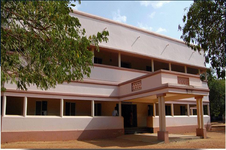 https://cache.careers360.mobi/media/colleges/social-media/media-gallery/7460/2019/3/13/Inside campus view of A Veeriya Vandayar Memorial Sri Pushpam College Poondi_Campus-view.jpg