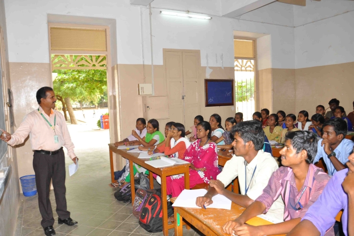 https://cache.careers360.mobi/media/colleges/social-media/media-gallery/7481/2018/8/27/Sacred-Heart-College-Vellore-Class-Room1.jpg