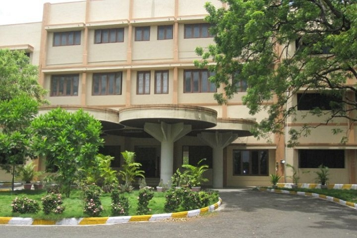 https://cache.careers360.mobi/media/colleges/social-media/media-gallery/7484/2019/7/26/Campus View of Maharaja Co Education Arts and Science college Erode_Campus-View.jpg
