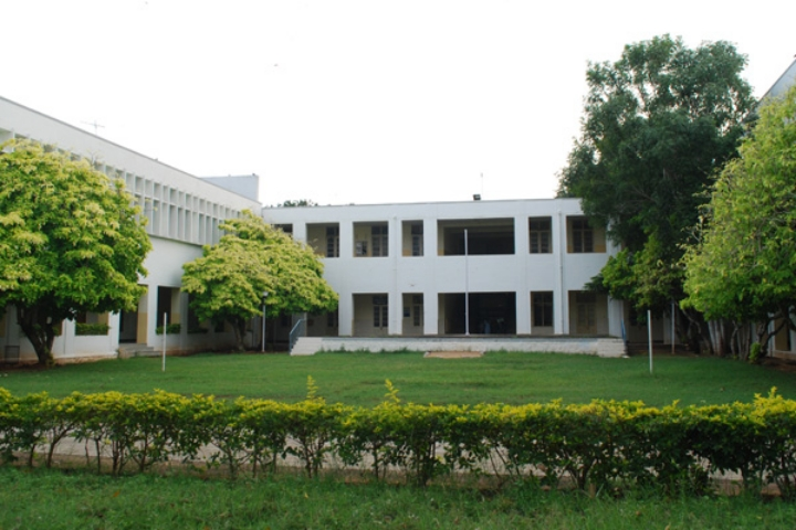 https://cache.careers360.mobi/media/colleges/social-media/media-gallery/7496/2018/10/5/College Building Of NGM college Coimbatore_Campus-View.jpg