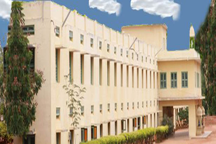 https://cache.careers360.mobi/media/colleges/social-media/media-gallery/7510/2018/12/5/Campus-View of Sri Sarada Niketan College of Science for Women Karur_Campus-View.JPG