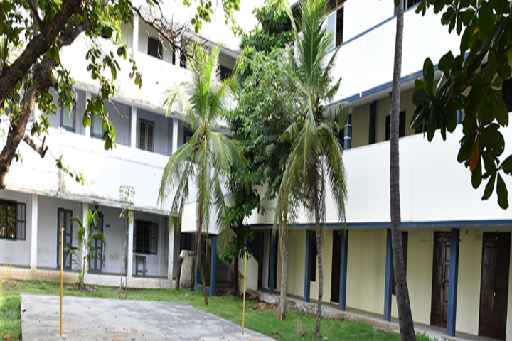 https://cache.careers360.mobi/media/colleges/social-media/media-gallery/7522/2018/10/12/College Building Of Khadir Mohideen College, Adirampattinam_Campus-View.png