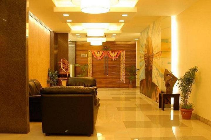 https://cache.careers360.mobi/media/colleges/social-media/media-gallery/7559/2018/7/18/Narsee-Monjee-Institute-of-Management-Studies-Hyderabad-1.jpg