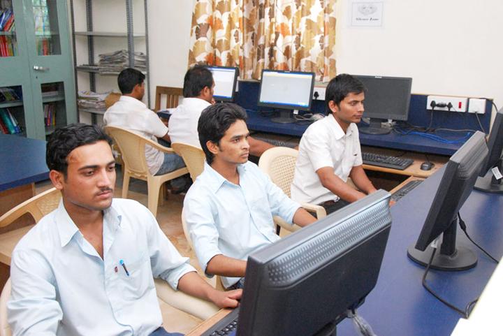 https://cache.careers360.mobi/media/colleges/social-media/media-gallery/7592/2018/2/3/GSM-MIT-NC-Aurangabad-(6).jpg