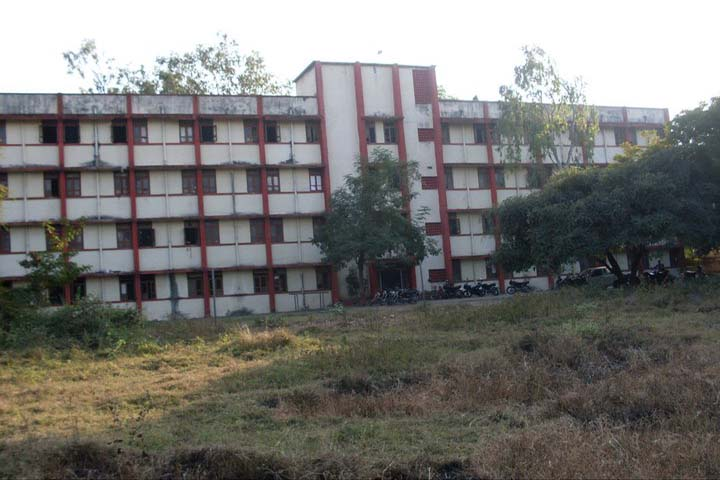 https://cache.careers360.mobi/media/colleges/social-media/media-gallery/7618/2018/12/28/Campus View of  Government Ayurved College and Hospital Nagpur_Campus-view.jpg