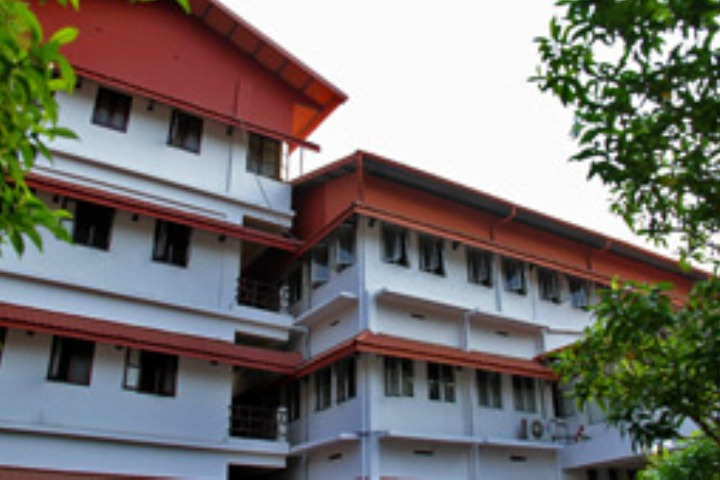 https://cache.careers360.mobi/media/colleges/social-media/media-gallery/7655/2018/12/31/Campus View of Poomulli Neelakandan Namboodiripad Memorial Ayurveda Medical College, Cheruthuruthy_Campus View.jpg