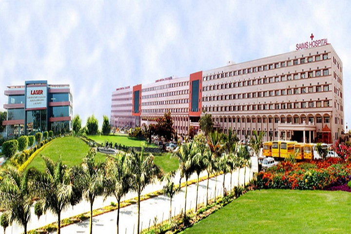 https://cache.careers360.mobi/media/colleges/social-media/media-gallery/7665/2018/12/22/Campus View of Sri Aurobindo College of Dentistry Indore_Campus-view.JPG