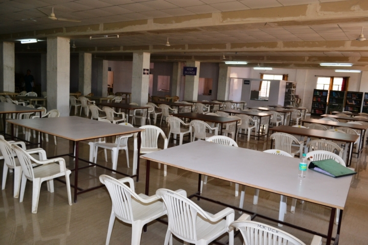 https://cache.careers360.mobi/media/colleges/social-media/media-gallery/7683/2017/11/27/RR-Dental-College-and-Hospital-Udaipur-(103892)8.JPG