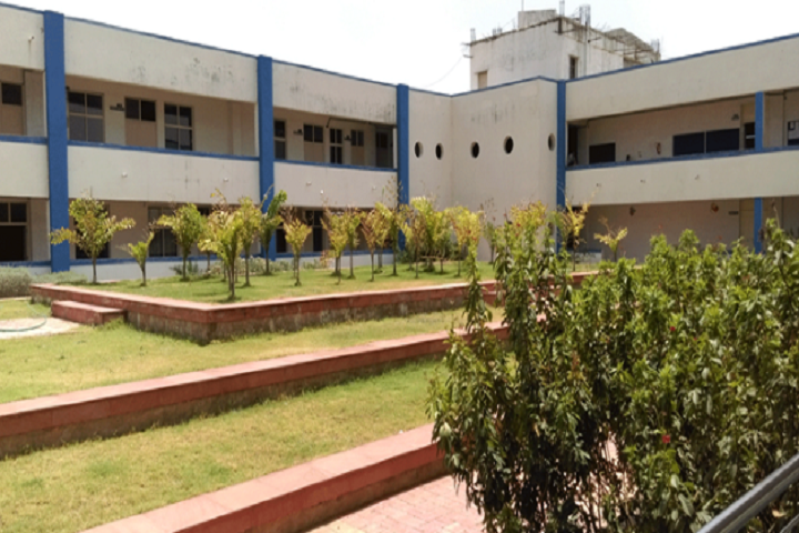 https://cache.careers360.mobi/media/colleges/social-media/media-gallery/7735/2018/9/26/Campus View of SAL Engineering and Technical Institute Ahmedabad_Campus-View.PNG