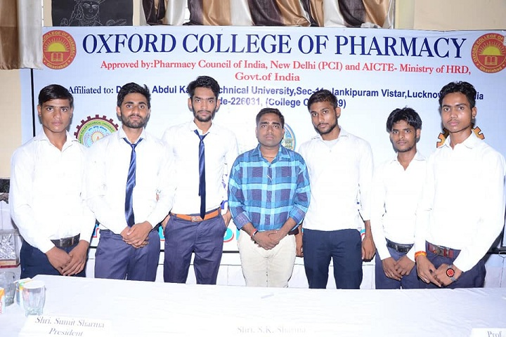 https://cache.careers360.mobi/media/colleges/social-media/media-gallery/7766/2018/9/20/Others of Oxford College of Pharmacy Ghaziabad_Others.jpg