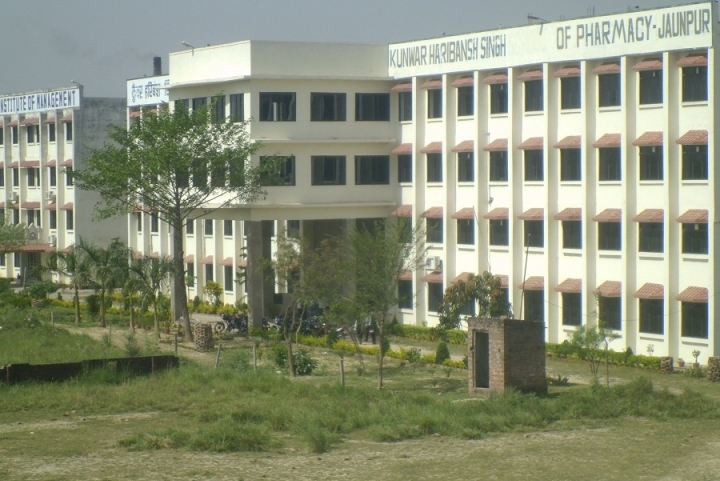 https://cache.careers360.mobi/media/colleges/social-media/media-gallery/7768/2018/9/20/Campus View of Kunwar Haribansh Singh College of Pharmacy Jaunpur_Campus-View.JPG
