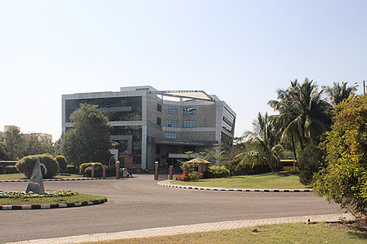https://cache.careers360.mobi/media/colleges/social-media/media-gallery/7830/2019/6/7/Campus View of Vidya Pratishthan Institute of Information Technology Pune_Campus-View.jpg