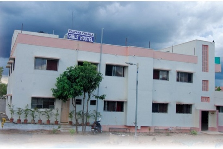 https://cache.careers360.mobi/media/colleges/social-media/media-gallery/7855/2019/3/18/Campus View of Shri Mahatma Basweshwar Education Society Institute of Computer Education Latur_Campus-View.jpg