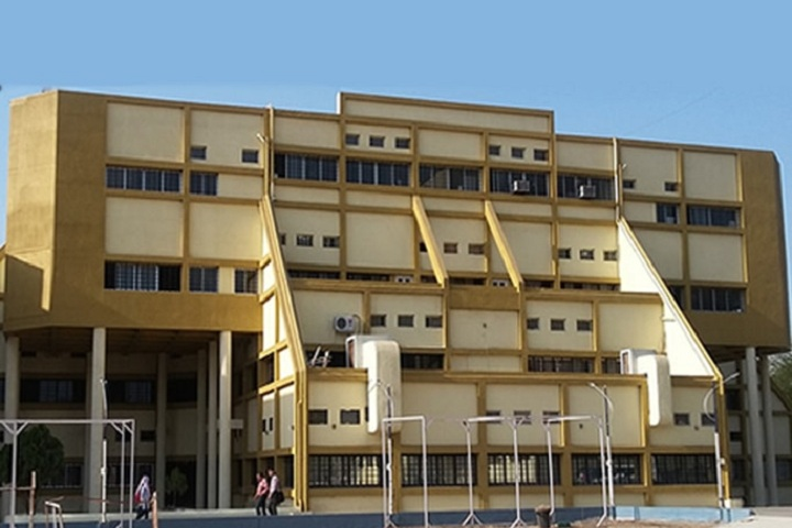 https://cache.careers360.mobi/media/colleges/social-media/media-gallery/7858/2019/2/19/Campus View of Vidyabharati College of Pharmacy Amravati_Campus-View.jpg