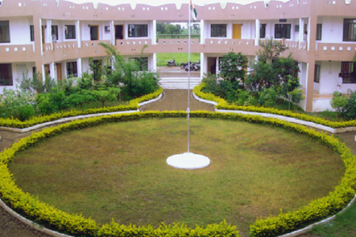 https://cache.careers360.mobi/media/colleges/social-media/media-gallery/7863/2019/2/16/Campus View of Rajashri Sahhu College of Pharmacy Buldhana_Campus-View.png