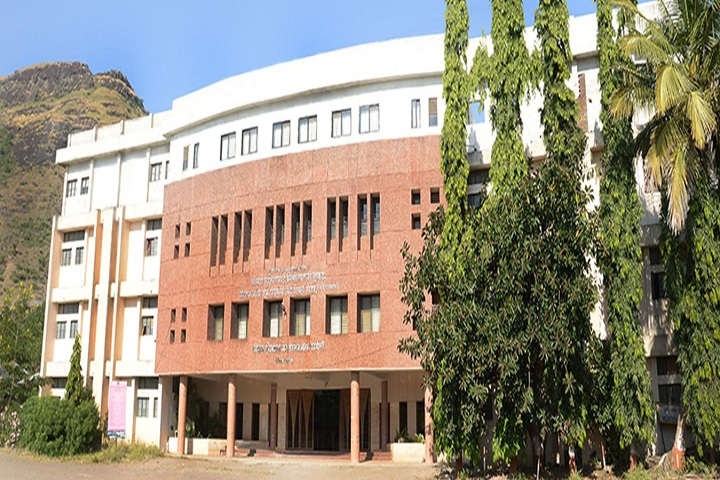 https://cache.careers360.mobi/media/colleges/social-media/media-gallery/7920/2019/2/16/Campus View of Shriman Suresh Dada Jain College of Pharmacy Chandwad_Campus View.jpg