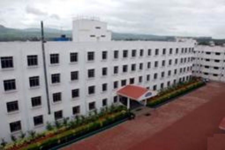 https://cache.careers360.mobi/media/colleges/social-media/media-gallery/7953/2018/8/9/Sinhgad-Institute-of-Pharmacy-Pune-Campus1.jpg