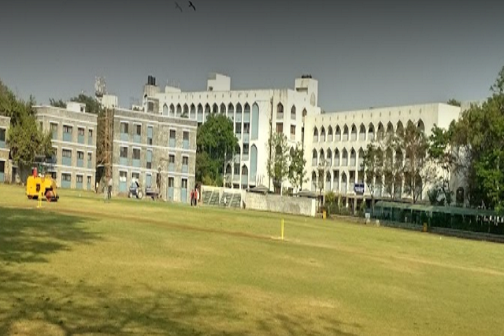 https://cache.careers360.mobi/media/colleges/social-media/media-gallery/7962/2020/7/28/Campus View of Maharashtra Cosmopolitan Education Societys Allana College of Pharmacy Pune_Campus-View.png