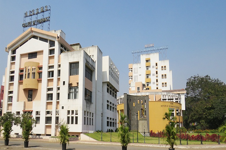 https://cache.careers360.mobi/media/colleges/social-media/media-gallery/7964/2018/10/6/Campus view of All India Shri Shivaji Memorial Societys College of Pharmacy Pune_Campus-view.jpg
