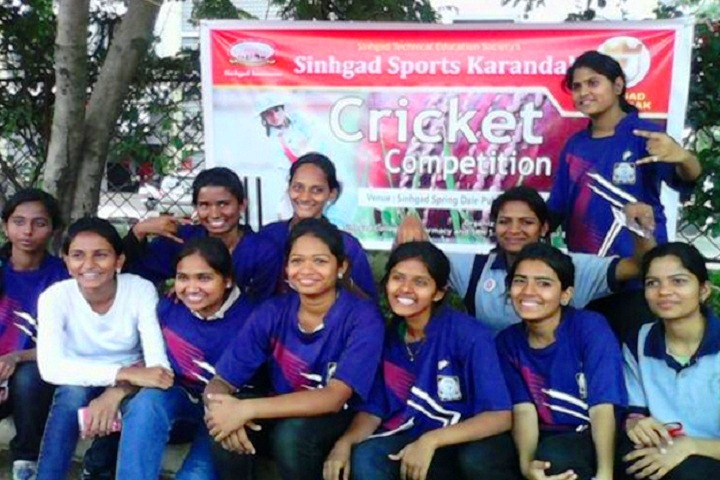 https://cache.careers360.mobi/media/colleges/social-media/media-gallery/7965/2018/8/4/Sinhgad-Institute-of-Pharmaceutical-Sciences-Lonavala-sports-(4).jpg