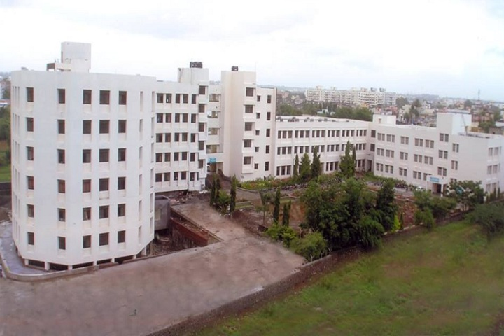 https://cache.careers360.mobi/media/colleges/social-media/media-gallery/7967/2019/3/7/Front view of Marathwada Mitra Mandals College of Pharmacy Pune_Campus-view.jpg