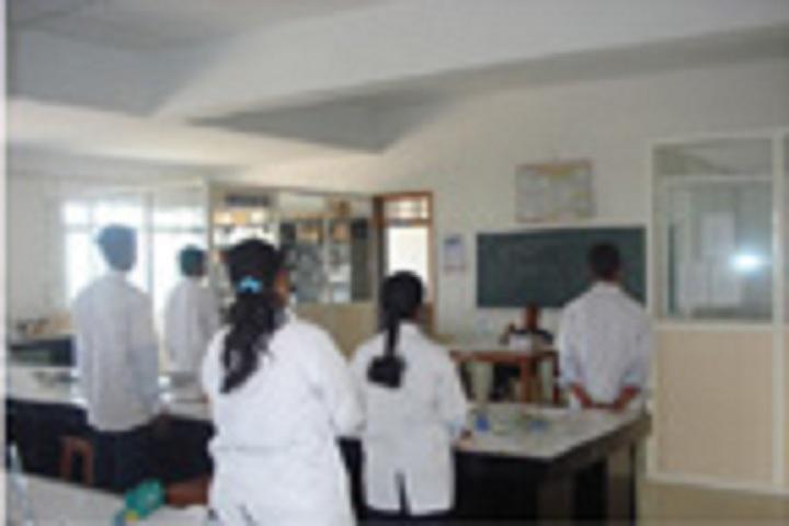 https://cache.careers360.mobi/media/colleges/social-media/media-gallery/7975/2018/8/4/Kasegaon-Education-Societys-Rajarambapu-College-of-Pharmacy-Walwa-health.jpg