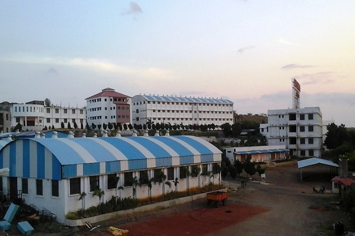 https://cache.careers360.mobi/media/colleges/social-media/media-gallery/7989/2019/2/26/Campus View of Dattakala College of Pharmacy Daund_Campus-View.jpg