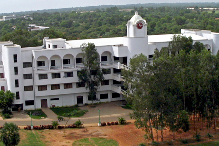 https://cache.careers360.mobi/media/colleges/social-media/media-gallery/7997/2018/8/17/Pondicherry-Institute-of-Medical-Sciences-Pondicherry-Campus1.jpg