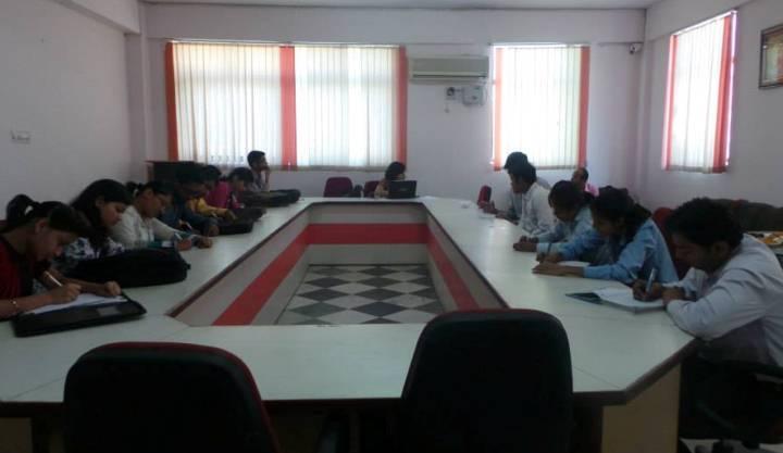 https://cache.careers360.mobi/media/colleges/social-media/media-gallery/8049/2016/9/9/Apex-Group-of-Institutions-Sitapura-Jaipur-(18).jpg