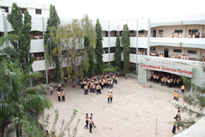 https://cache.careers360.mobi/media/colleges/social-media/media-gallery/8108/2019/6/1/College View of Dayanand Science College Latur_Campus-View.jpg