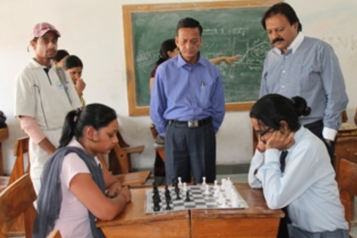 https://cache.careers360.mobi/media/colleges/social-media/media-gallery/8138/2019/6/4/Indore Game Chess of Lachoo Memorial College of Science and Technology Jodhpur_Sports_1.jpg